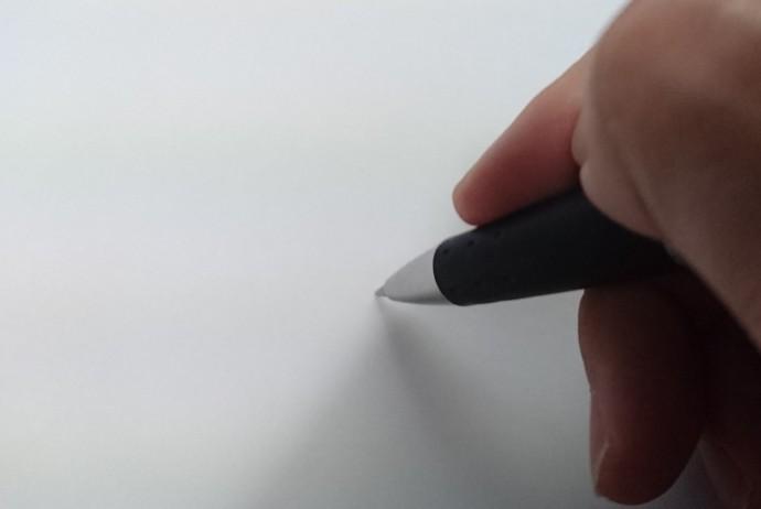 白紙にペン